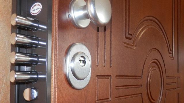 Sostituzione serratura porte blindate Collegno